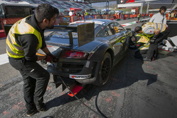 Pit stop, #49 Drivex Audi R8 LMS Ultra: William Paul, Rene Ogrocki, Jose Luis Talermann