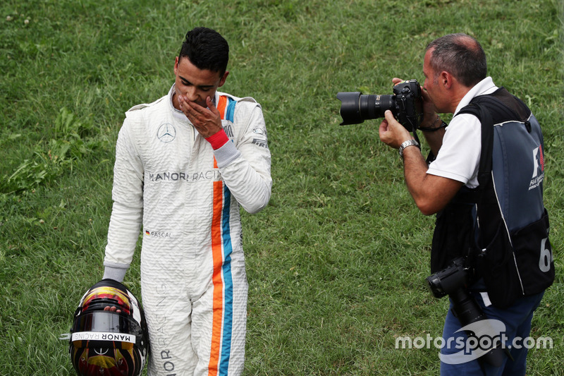 Pascal Wehrlein, Manor Racing retired from the race