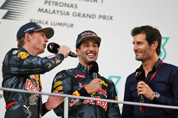 Sieger Daniel Ricciardo, Red Bull Racing, mit Max Verstappen, Red Bull Racing, Mark Webber