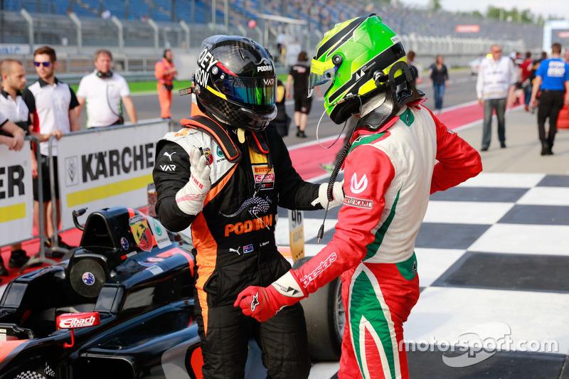 Joseph Mawson, Van Amersfoort Racing, und Mick Schumacher, Prema Powerteam