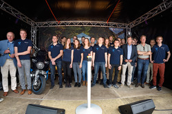 Vertrek van STORM Eindhoven, het team met ambassadeurs Rick Nieman en Jan Peter Balkenende