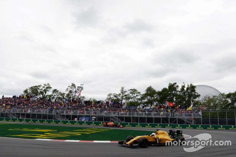 Кевін Магнуссен, Renault Sport F1 Team RS16