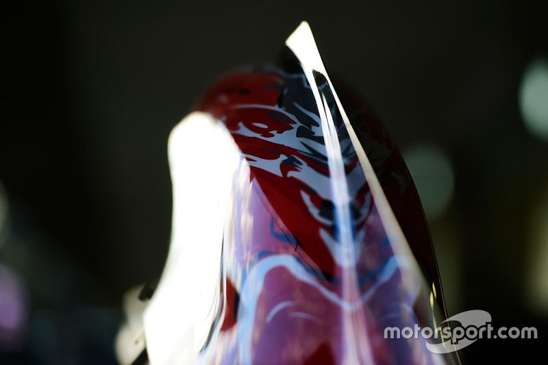 Scuderia Toro Rosso STR11: Bodywork