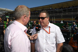 Martin Brundle, Sky TV talks with Zak Brown, McLaren Executive Director