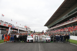 Drivers group photo supporting Puerto Rico victims of hurricane Maria
