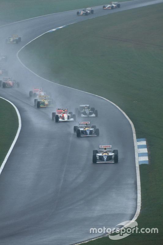 Alain Prost, Williams FW15C Renault, vor Damon Hill, Williams FW15C Renault, und Ayrton Senna, McLaren MP4/8 Ford