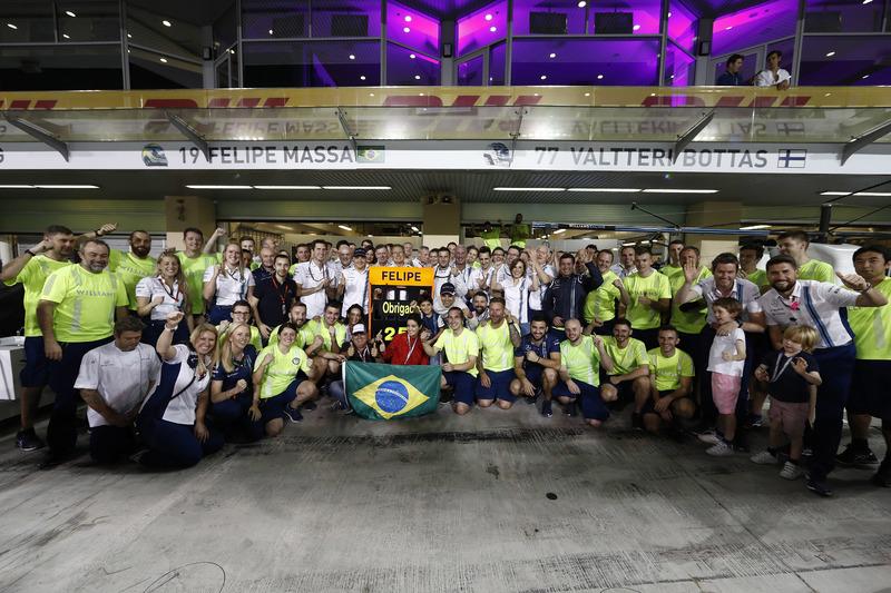 El equipo da un adiós encariñado a Felipe Massa, Williams, después de su última carrera para el equipo y en la F1