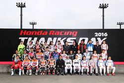 2016 Honda Racing Thanks Day group shot