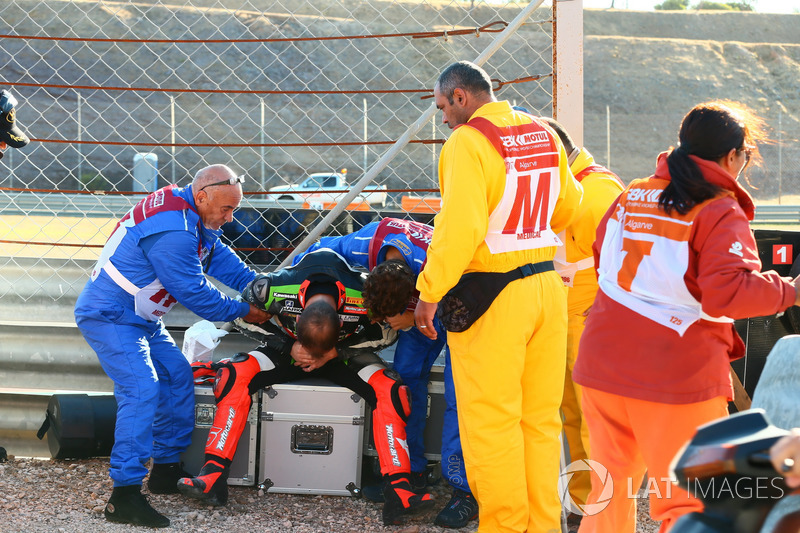 Tom Sykes, Kawasaki Racing, nach Sturz