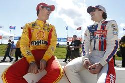 Ryan Blaney, Wood Brothers Racing, Ford; Joey Logano, Team Penske, Ford