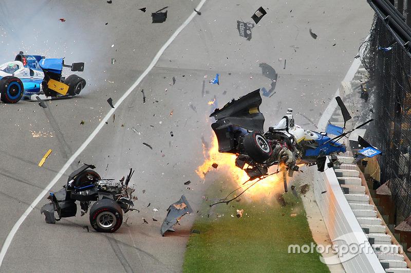 Авария Скотта Диксона на Indy 500