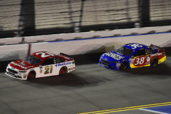 Ryan Blaney, Wood Brothers Racing Ford, David Ragan, Front Row Motorsports Ford