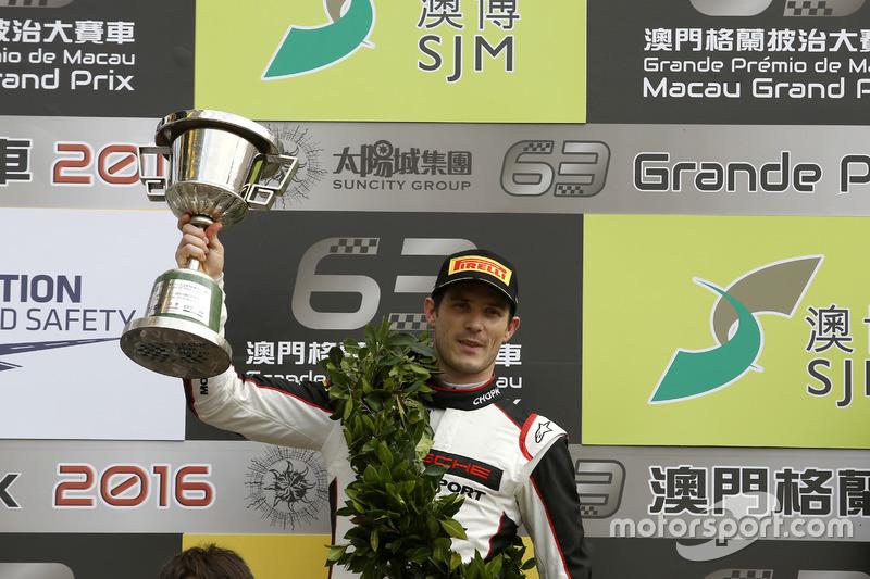 Подіум: Друге місце Кевін Ерсте, Manthey Racing Porsche 911 GT3-R;