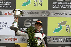 Podium: second place Kévin Estre, Manthey Racing Porsche 911 GT3-R