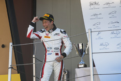 Podium: race winner Nirei Fukuzumi, ART Grand Prix