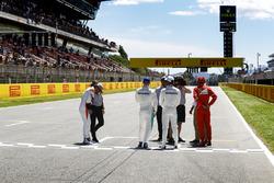 Fernando Alonso, McLaren, Valtteri Bottas, Mercedes AMG F1, Lewis Hamilton, Mercedes AMG F1, Sebastian Vettel, Ferrari, son entrevistados después de la calificación