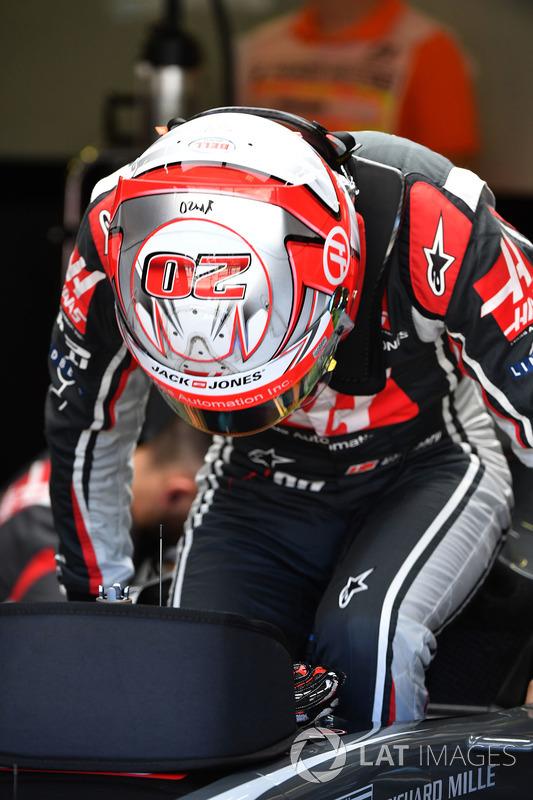 Кевін Магнуссен, Haas VF-17