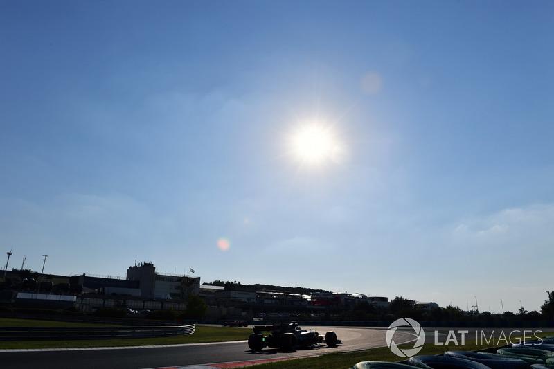 Ніколя Латіфі, Renault Sport F1 Team RS17, з аеро сенсорами