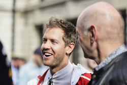 Sebastian Vettel, Ferrari, Adrian Newey, jefe técnico de Red Bull Racing