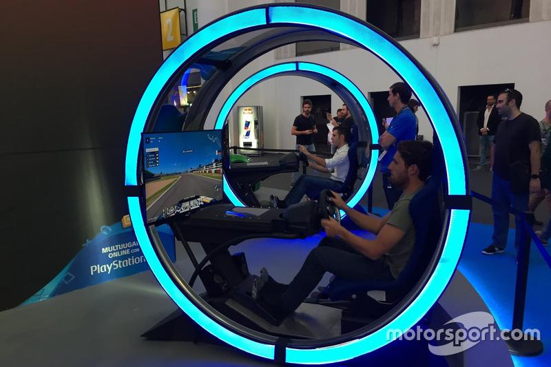 Dani Juncadella en la exhibición de GT Sport del Barcelona Games World