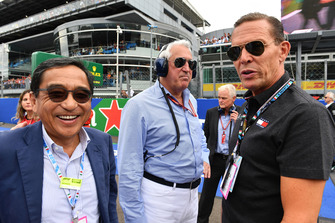 (L to R): Silas Chou, Fashion Tycoon, Lawrence Stroll, Racing Point Force India F1 Team owner and Daniel Greider, CEO Tommy Hilfiger on the grid