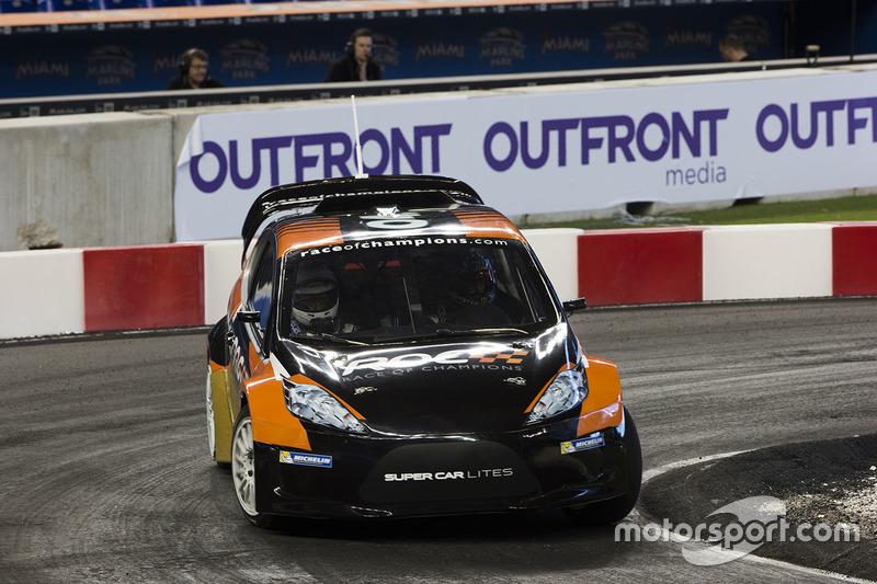Kurt Busch maneja el RX Supercar Lite
