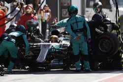 Lewis Hamilton, Mercedes AMG F1 W08, pitstop