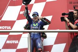 Подіум: переможець гонки Маверік Віньялес, Yamaha Factory Racing
