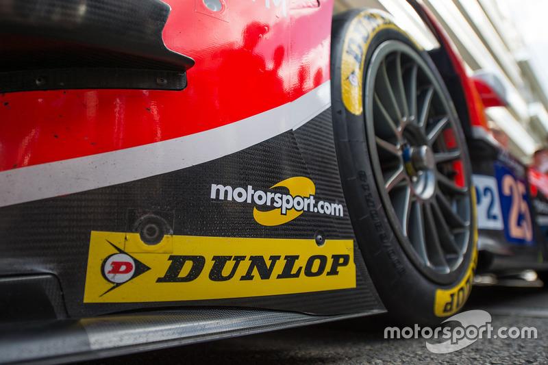 Auto von CEFC Manor mit Logo von Motorsport.com