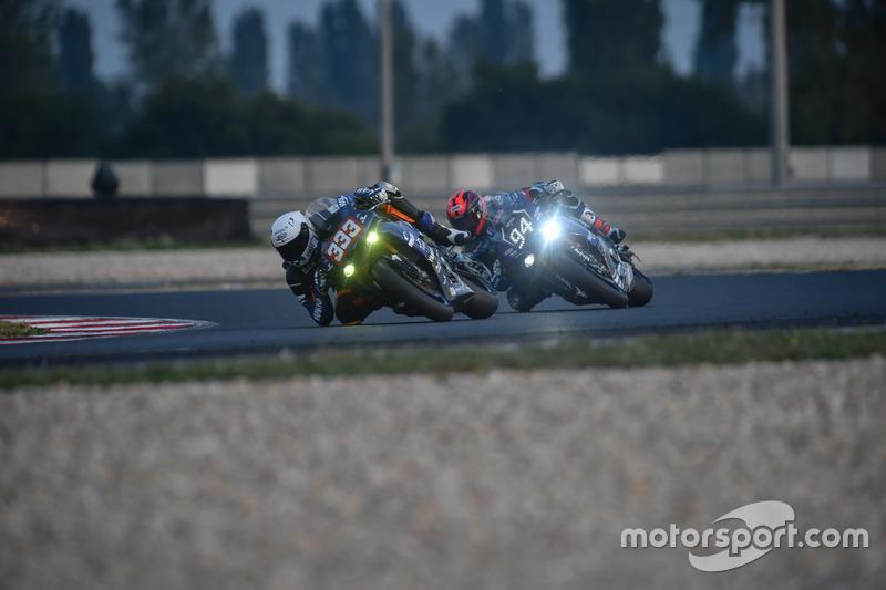 Platz 6 / 2. Superstock – Weltmeister: #333 – Yamaha Viltais Experience – Florian Alt, Bastien Mackels, Axel Maurin