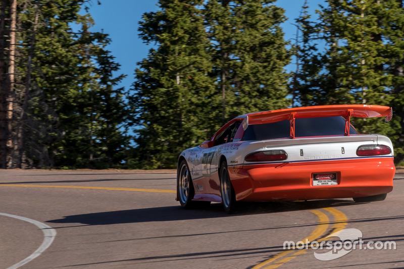 #27 Chevrolet Camaro: Стів Гоеглайн