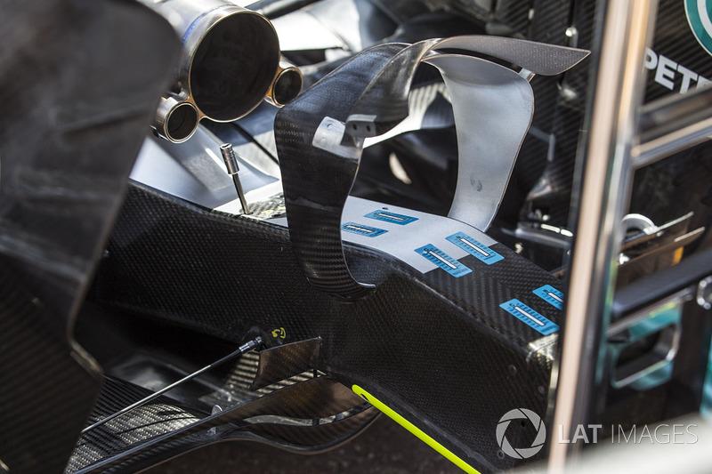 Mercedes-Benz F1 W08 Hybrid rear wing detail