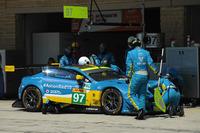 #97 Aston Martin Racing Aston Martin Vantage: Даррен Тьорнер, Джонатан Адам, Даніель Серра