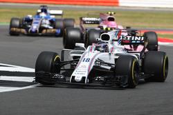 Лэнс Стролл, Williams FW40, Эстебан Окон, Sahara Force India F1 VJM10, и Маркус Эрикссон, Sauber C36