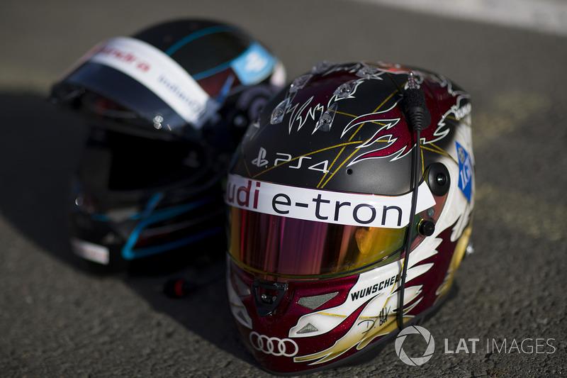 Шлемы пилота Mahindra Racing Ника Хайдфельда и гонщика Audi Sport ABT Schaeffler Даниэля Абта