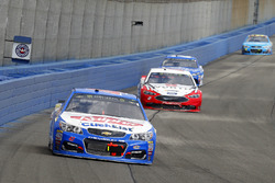 A.J. Allmendinger, JTG Daugherty Racing Chevrolet and Brad Keselowski, Team Penske Ford