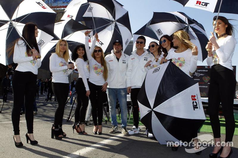 Pepe Oriola, Lukoil Craft-Bamboo Racing and Hugo Valente, Lukoil Craft-Bamboo Racing with TCR-girls