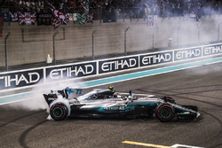 Race winner Valtteri Bottas, Mercedes-Benz F1 W08  performs donuts in parc ferme