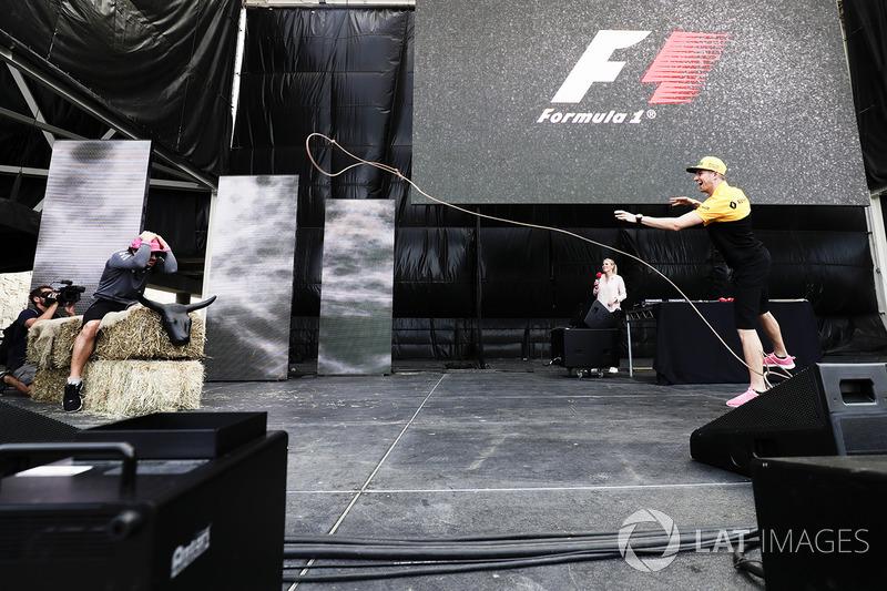 Фернандо Алонсо, McLaren MCL32, Ніко Хюлькенберг, Renault Sport F1 Team
