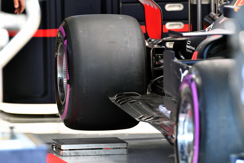 Red Bull Racing RB14 rear floor