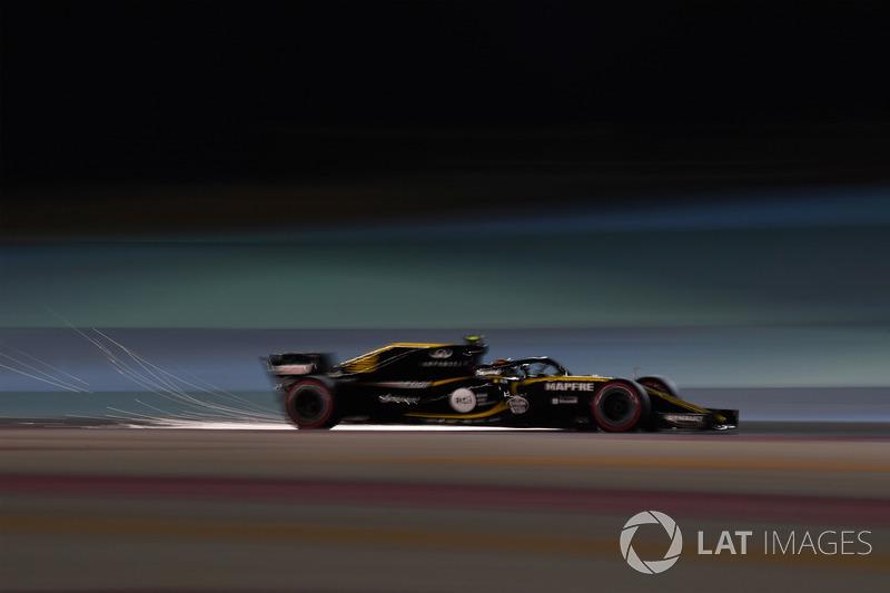 Carlos Sainz jr, Renault Sport F1 Team RS18 saca chispas