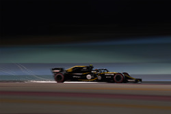 Карлос Сайнс-мол., Renault Sport F1 Team RS18, іскрить