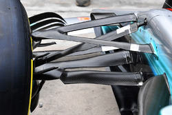 Mercedes-Benz F1 W08  front suspension detail