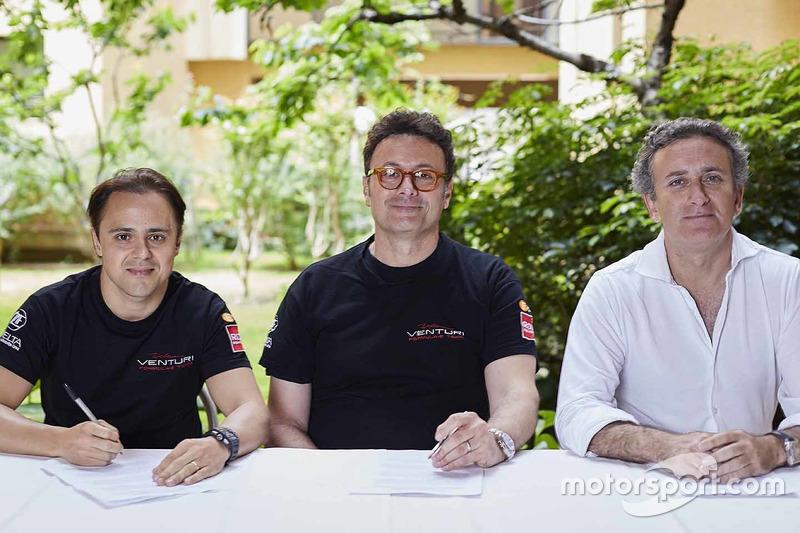 Felipe Massa firma con Venturi ante la presencia de Alejandro Agag