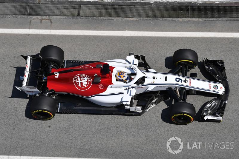 "<img src=""https://cdn-1.motorsport.com/static/custom/car-thumbs/F1_2018/TESTS/sauber.png"" alt="""" width=""250"" /> Sauber"