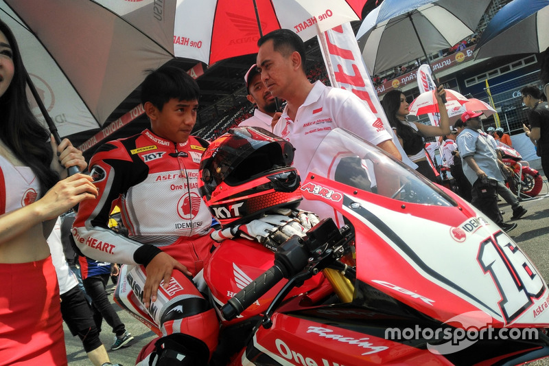 AP250: Mario Suryo Aji, Astra Honda Racing Team dan Anggono Iriawan, Senior Manager Safety Riding and Motorsport of PT Astra Honda Motor