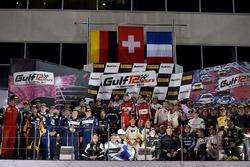 Foto de grupo de ganadores de todas las categorías