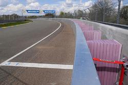SAFER-Barriere in den Porsche-Kurven