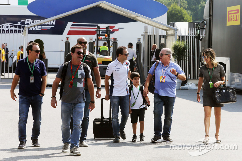 Felipe Massa, Williams with his family