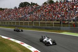 Felipe Massa, Williams FW38 Mercedes; Fernando Alonso, McLaren MP4-31 Honda
